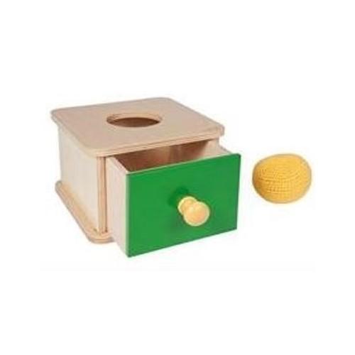 Box na vkládání pleteného míčku