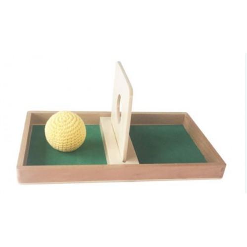 Prohazovací deska s pleteným míčkem