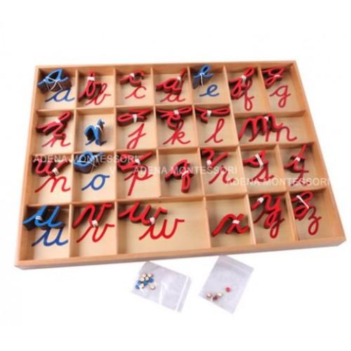 Malá dřevěná pohyblivá abeceda, psané písmo,  modrá & červená
