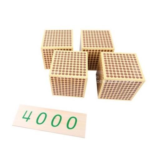 9 Dřevěných tisícovkových krychlí
